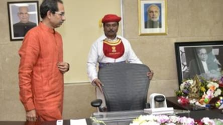Uddhav Thackeray to face floor test tomorrow, gets a new pro-tem speaker