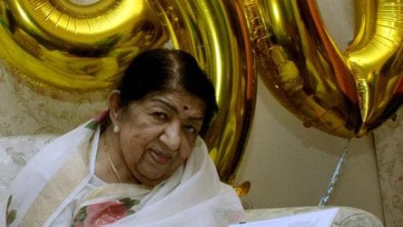Lata Mangeshkar returns home from hospital after 28 days, thanks well-wishers