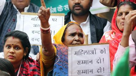 Why hang us, asks Delhi gang-rape convict; cites Vedas, Puranas and Gandhi
