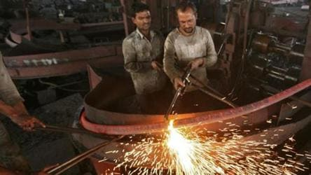Factory output shrinks, rising inflation at 5.5 % begins to hurt