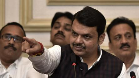Fadnavis seeks Rahul Gandhi's 'unconditional apology' over Savarkar remark