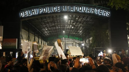 Late night protests at Delhi police headquarters against Jamia crackdown