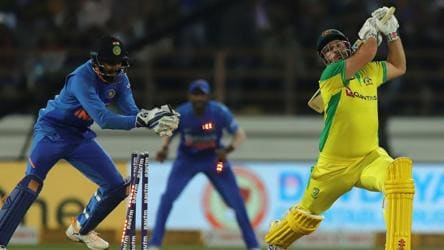 WATCH: Rahul's blink-and-you-miss-it stumping draws Dhoni comparisons
