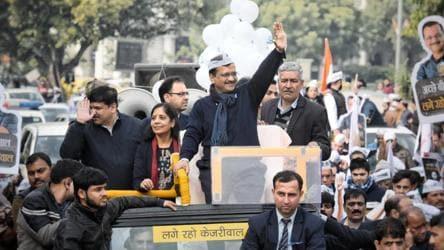 Day after missing deadline, Kejriwal to file nomination for Delhi polls today
