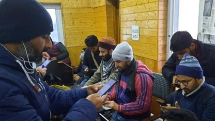 2G mobile internet services being restored in Kashmir