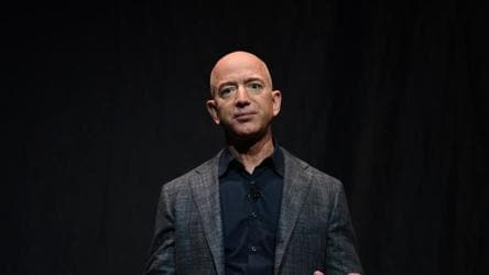 Facebook blames Apple for Amazon CEO Jeff Bezos' phone hack