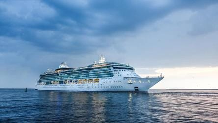2,000 iPhones given to all the passengers on this Coronavirus-hit cruise