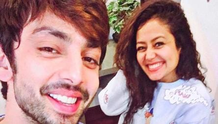 Neha Kakkar Slams Ex Himansh Kohli In Cryptic Post Threatens To Expose His Mother Father And Sister S Deeds Tv Hindustan Times
