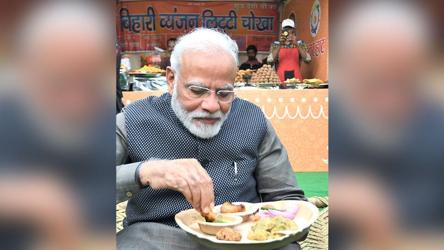 'Litti-chokha, kulhad chai' on menu as PM Modi visits 'Hunar Haat'