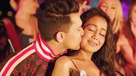 Indian Idol 11 After Wedding Hoax Neha Kakkar Reveals Aditya Narayan Will Marry Long Time Girlfriend In 2020 Tv Hindustan Times