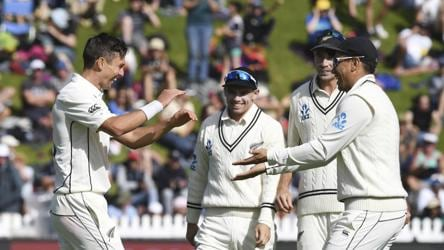 New Zealand thump India by 10 wickets in 1st Test in Wellington
