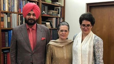 Navjot Sidhu, missing from Punjab politics, returns with a Sonia Gandhi meet