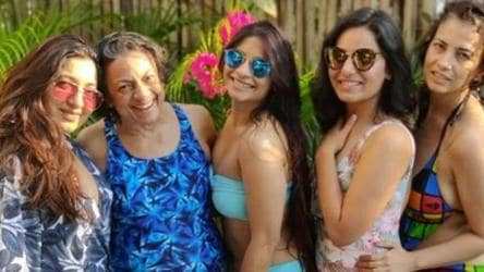 Bollywood Actress Tanuja Shows How To Be A Diva Age No Bar In This Blue Swimsuit At Daughter Tanisha S Birthday Celebrations Fashion And Trends Hindustan Times