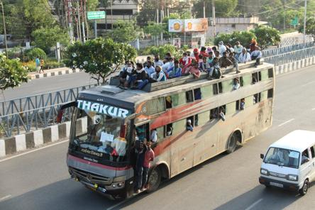How flurry of meetings paved the way for migrant workers' bus ride home