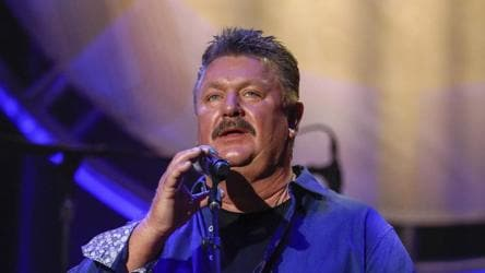 Country singer Joe Diffie dies of Covid-19 at the age of 61