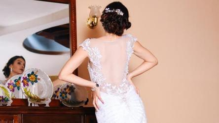 Spanish Fashion Designer Dresses Last Brides As Coronavirus Halts Weddings This Year Fashion And Trends Hindustan Times