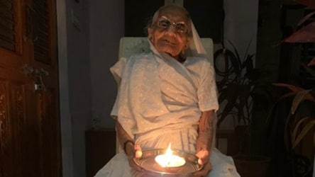 Holding diya in hand, PM's mother responds to lights-out call