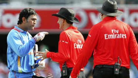 Captain 'not so cool': 3 instance when Dhoni lost his cool on cricket field