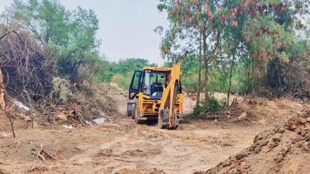 Rising Covid deaths push Delhi's largest cemetery at ITO to brink