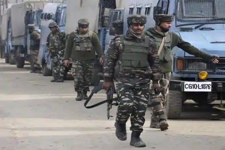 Encounter erupts in J-K's Shopian, at least 3 terrorists trapped