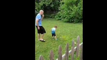 Dad's attempt to teach son golf doesn't go as planned. Sumeet Vyas shares  hilarious video - it s viral - Hindustan Times