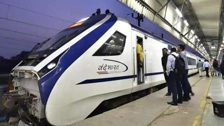 China-India joint venture only foreign bidder for Vande Bharat train sets