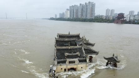 China flood: Yangtze river in the throes of third flood peak, 45 ...