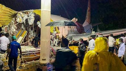 Kerala plane crash: All passengers evacuated from crash site, urgent meeting called in Delhi