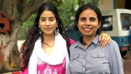 As The Kargil Girl Releases Janhvi Kapoor Shares Picture From Her First Meeting With Iaf Pilot Gunjan Saxena Bollywood Hindustan Times