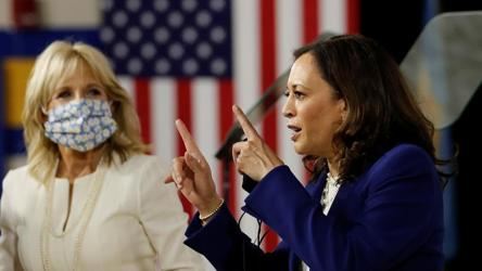 Do Something Kamala Harris Applauds Her Mother For Inspiring Her To Join Public Service World News Hindustan Times