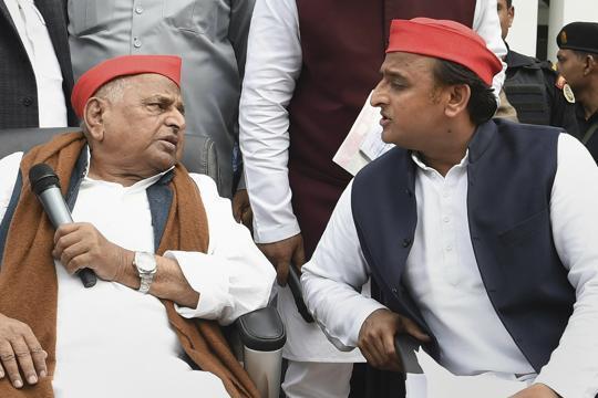 Akhilesh Yadav to contest from father Mulayam's seat Azamgarh