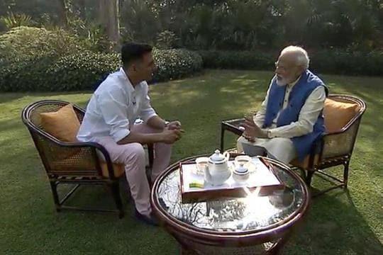 'Mamata Didi gifts me kurtas every year', PM Modi  tells Akshay Kumar