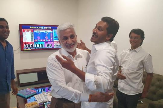 In Andhra, YSR Congress' Jagan Reddy pummels Chandrababu Naidu