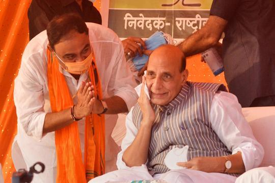 'Will be difficult for them to save face,' Rajnath attacks Cong over LAC