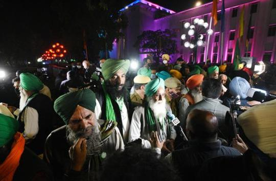 No end to deadlock but Centre, farmers hopeful for next meet on Dec 5