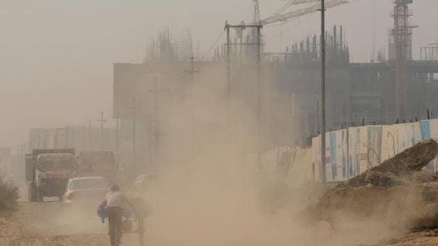 Trucks loaded with construction material in Noida, Uttar Pradesh (File Photo)(Burhaan Kinu/HT Photo)