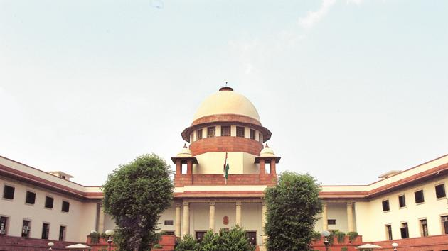 The SC interim order requires all cinema halls to play the national anthem before the screening a film.(HT File Photo)