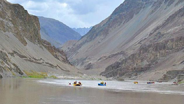 A file photo of Indus River. The Indus Waters Treaty reserved for Pakistan the largest three rivers that make up more than four-fifths of the Indus-system waters, leaving for India just 19.48% of the total waters.(Agency Photo)