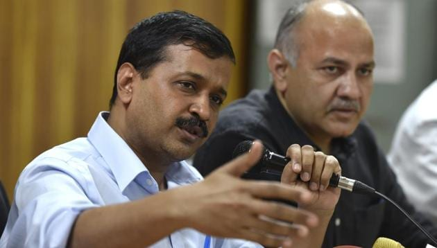 Delhi chief minister Arvind Kejriwal said that people are asking that while PM Modi has made them all stand in the queues, why is he not questioning those who actually have black money.(Raj K Raj/HT file photo)