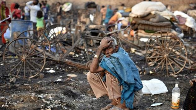 The slums at Rithala area in New Delhi on December 5, a day after it was gutted in fire.(HT PHOTO/ Representative image)