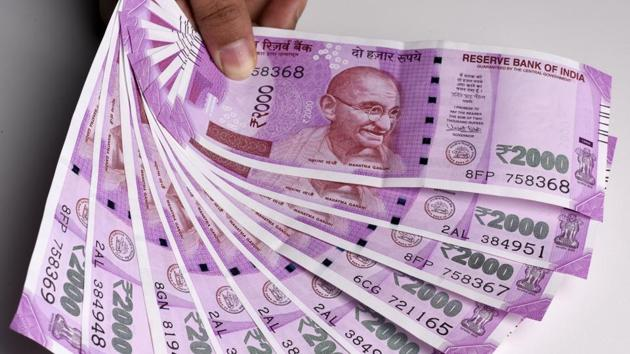 Police sources said the cash was brought from Nasik and it was likely to be delivered to a person in Sachin district.(Sonu Mehta/HT Photo)
