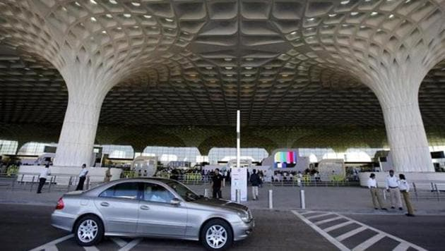 AAI is evolving a mechanism so that digital payment alternatives through various modes is available at all concessions providing passenger facilitation services at airports(Reuters File Photo)