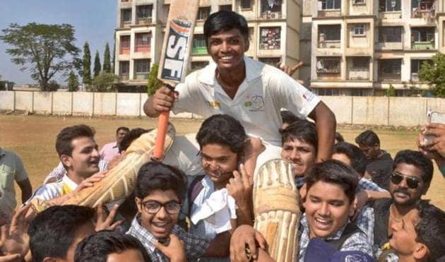 A file photo of Mumbai cricketer Pranav Dhanawade after scoring 1009 runs in an innings.(HT Photo)