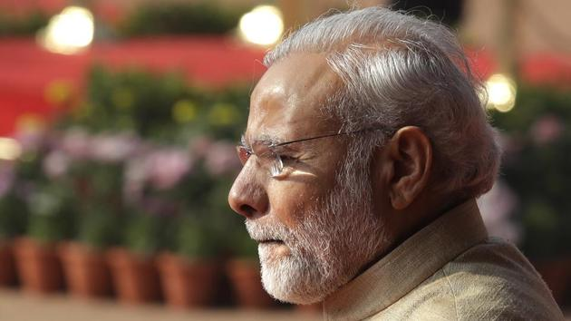 """Delhi CM Arvind Kejriwal said Prime Minister Narendra Modi should first ensure that BJP accepts cashless donations before """"forcing others"""".(AP file photo)"""