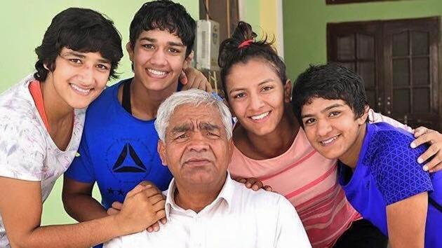 Mahavir Singh Phogat produced a string of women champion wrestlers staring with his eldest daughter, Geeta Phogat(Geeta Phogat's Twitter account)