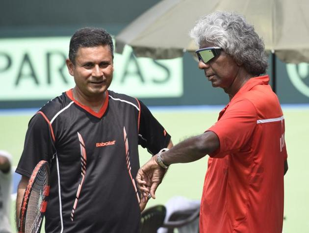 Anand Amritraj did not get the one-year term he had wished but AITA has given him a chance to make a graceful exit.(Hindustan Times)