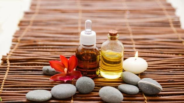After a long day's work, taking in the soothing smells of different aroma oils is a great way to unwind.(Shutterstock)