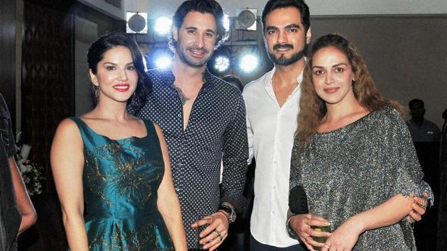 Sunny Leone, Daniel Weber, Bharat Takhtani and Esha Deol at the release of the film Aa Gaya Hero in Mumbai.(PTI)