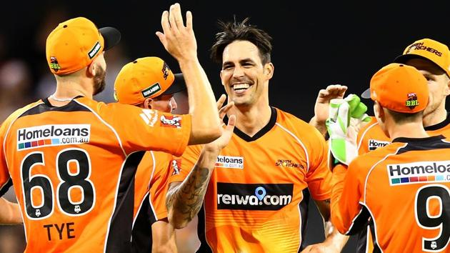 Mitchell Johnson, who was playing his first competitive game in over 18 months, took 3/33 to help Perth Scorchers to victory against Adelaide Strikers in the Big Bash League.(Getty Images)