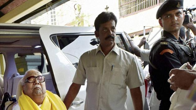 DMK president Karunanidhi arrives at his Gopalpuram residence after he was discharged from Kauvery Hospital in Chennai on Friday.(PTI Photo)